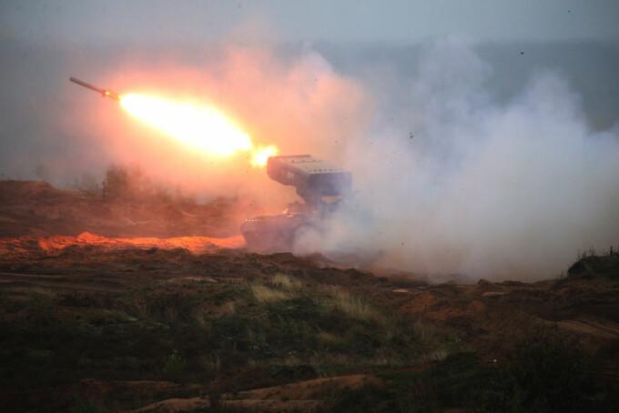exerciţiu militar rusesc