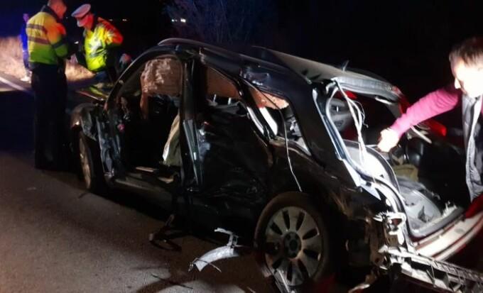 """Résultat de recherche d'images pour """"Accident cu 2 morți, inclusiv o fetiță. Șoferul vinovat ar fi făcut LIVE pe Facebook. VIDEO"""""""