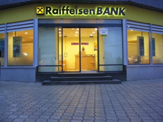 Clientii Raiffeisen Bank, tinta a atacurilor de tip phishing