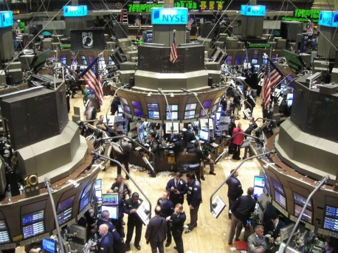 Wall Street, investitorii isi pierd curajul in asteptarea planului salvator
