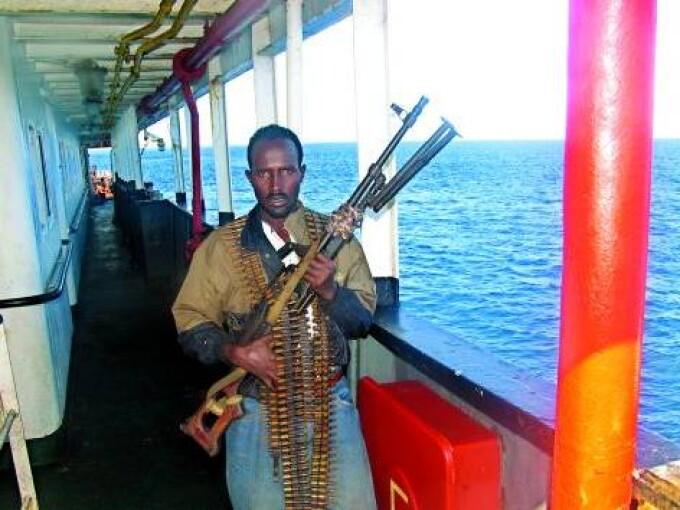 Nava uraineana capturata de somalezi se indreapta spre o zona islamista