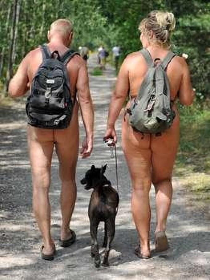 Amatorii de drumetii in pielea goala au propriul traseu in Germania!