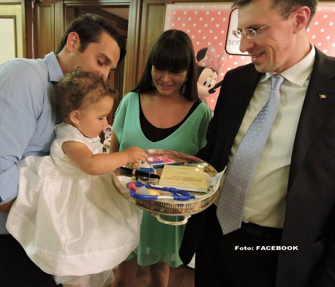 Elena Basescu, Sofia Anais, Dorin Chirtoaca