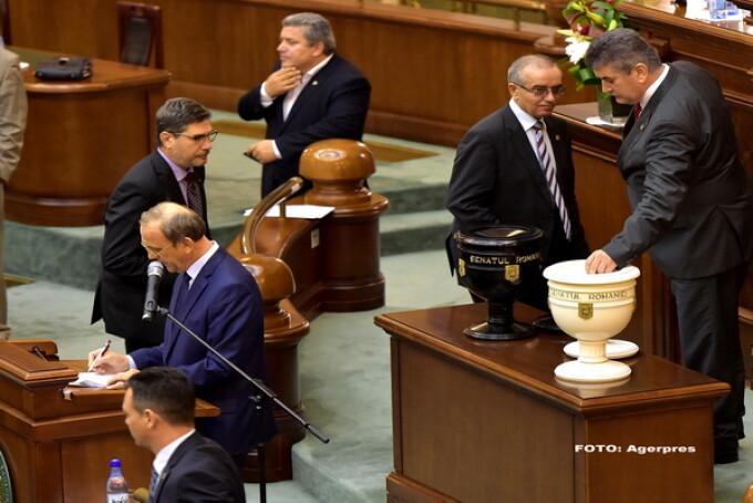 Gabriel Oprea in Senat