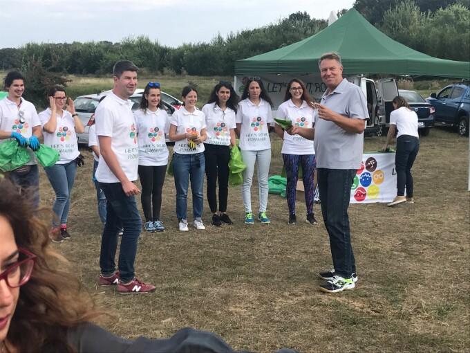 Klaus Iohannis, Let`s Do It, Romania!