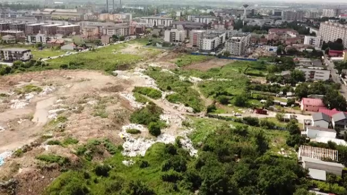 """Gunoiul imobiliar """"înghite"""" România. Construcțiile noi au poluat hectare întregi de teren"""
