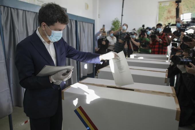 Nicușor Dan a votat la alegerile locale 2020