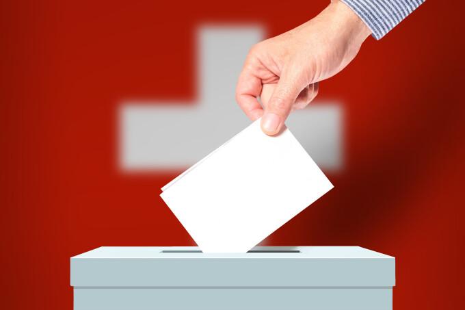 Elveţienii au respins, prin referendum, propunerea care ar fi limitat libera circulaţie cu UE