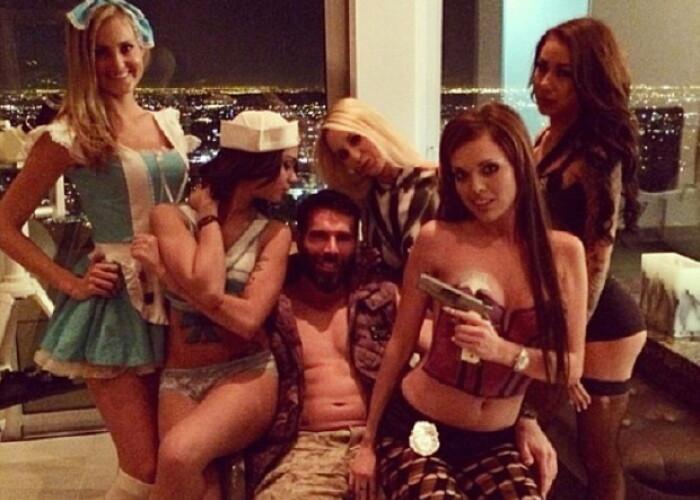 Regele Instagramului Bilzerian si-a scos la vanzare palatul din Las Vegas. Cati bani cere