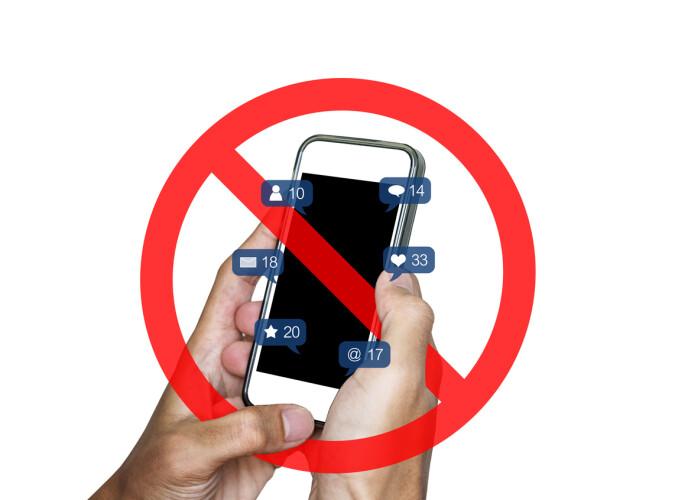 Ai renunța un an la smartphone pentru 100.000 de dolari? Uite ce trebuie să faci