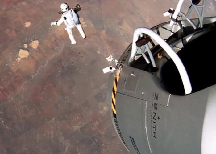 Ce a vazut Felix Baumgartner in timpul coborarii! VIDEO