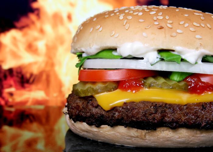 Cum ne afecteaza organismul fiecare meniu fast-food: