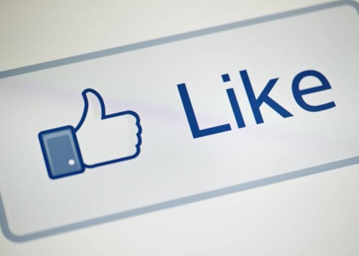 4 din 10 utilizatori de Facebook spun ca ii enerveaza asta.