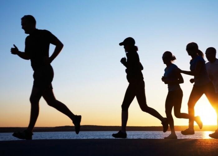 Cat timp si de cate ori trebuie sa alergi pe saptamana ca sa conteze! STUDIU