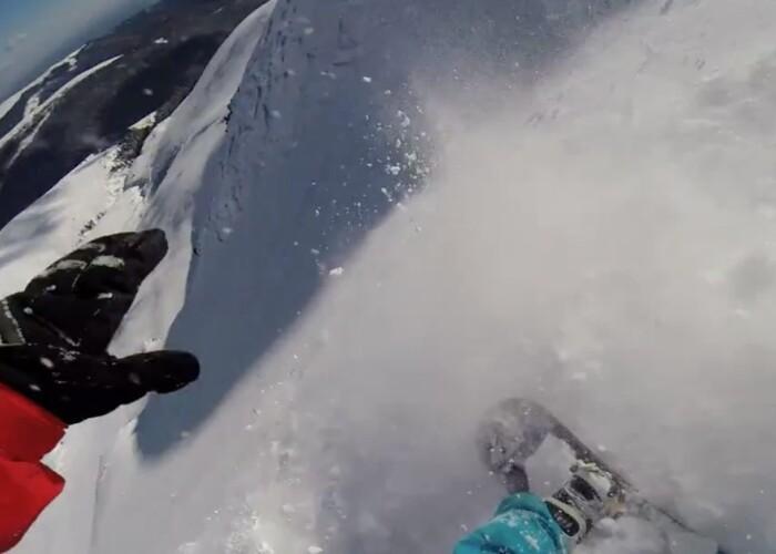 Totul a fost filmat cu o camera GoPro: Un roman a supravietuit unei avalanse pe Varful Papusa! VIDEO
