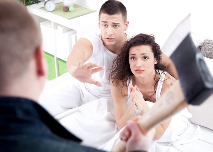 Si-a prins iubita cu alt barbat si si-a pierdut mintile! Ce a facut acest barbat este incredibil! Politia l-a arestat imediat