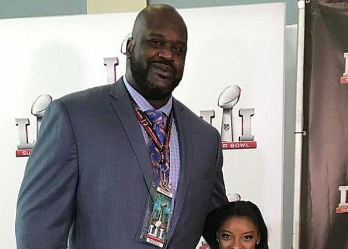 Shaquille O'Neal si Simone Biles in aceeasi fotografie. Una dintre pozele inceputului de an :)