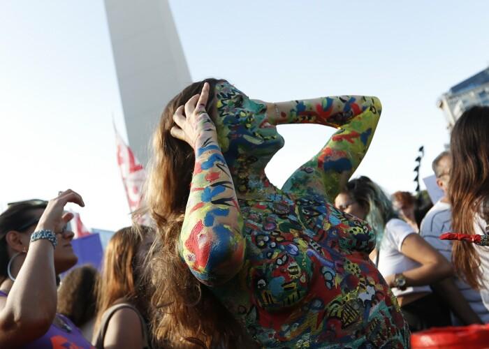 Femeile au protestat topless in Argentina! Motivul pentru care au facut acest gest