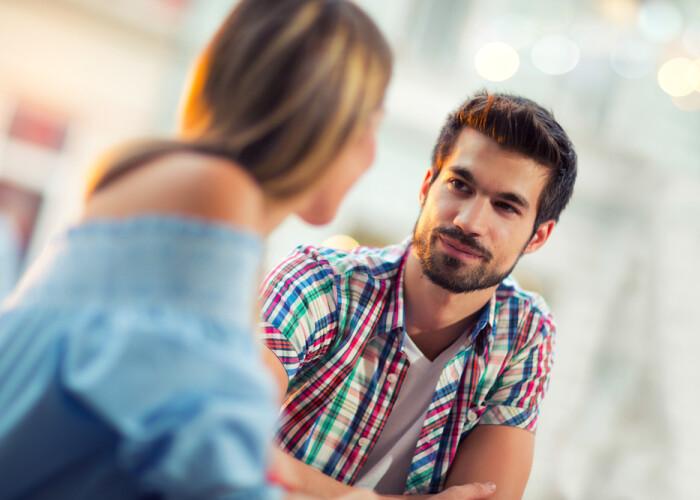 5 lucruri pe care nu trebuie să le faci la prima întâlnire