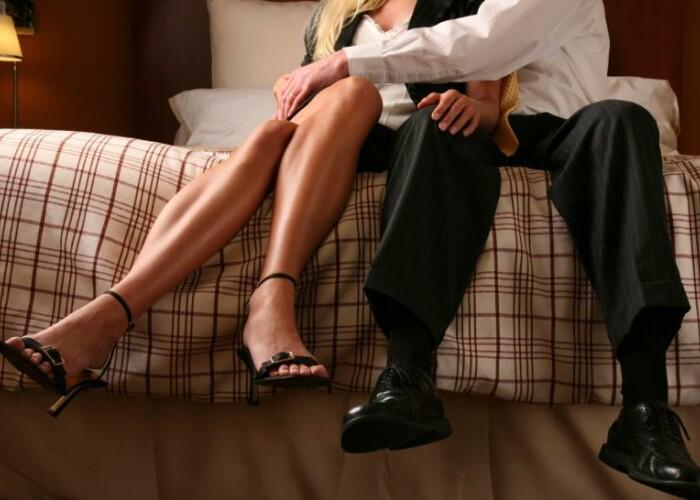 Peste 50% dintre femei si barbati il consifera semn de infidelitate: