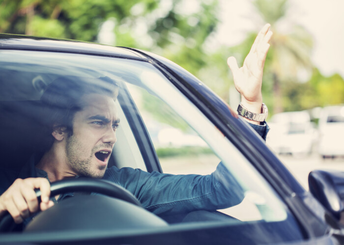 Ce îi enervează pe români în trafic. Vezi rezultatele ultimului sondaj