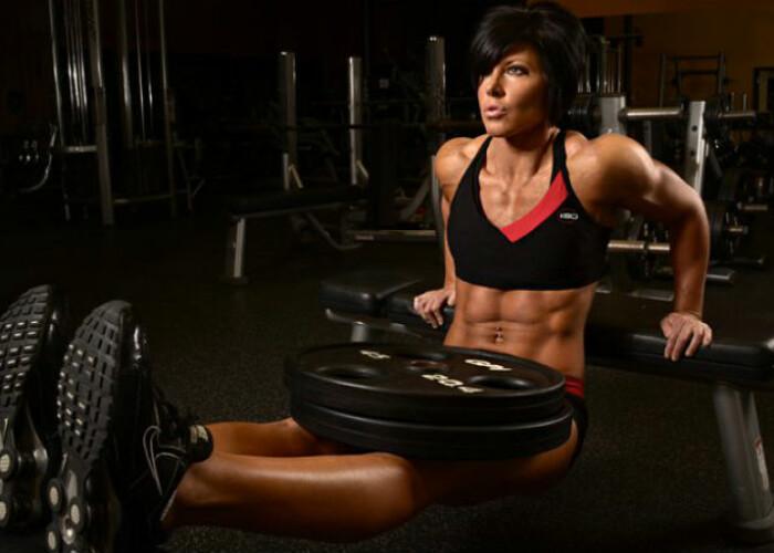 Ai nevoie de doar 10 minute pentru un abdomen de fier : Antrenamentul spartan pentru un corp de culturist VIDEO