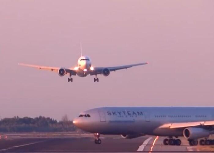 2 avioane au fost aproape de coliziune la decolarea de pe aeroportul din Barcelona: Evitarea unei catastrofe, surprinsa pe camera! VIDEO
