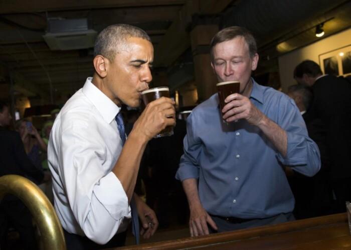 Un barbat a incercat sa ii ofere marijuana lui Barack Obama intr-un bar. Reactia presedintelui american: VIDEO