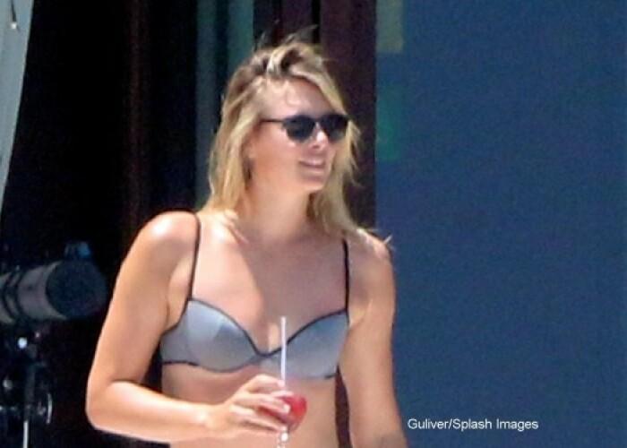 Cum arata Maria Sharapova in afara terenului de tenis. Sportiva a fost surprinsa in costum de baie, pe o plaja din Mexic