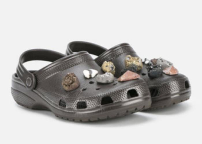 Cei mai scumpi papuci urati din lume. Cat costa o pereche de lux