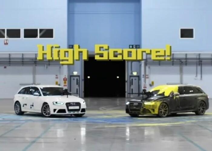 Audi RS 4 vs Audi RS 4, duel nu la viteza ci la .. paintball: Cat de sportiv poate sa fie Station Wagon