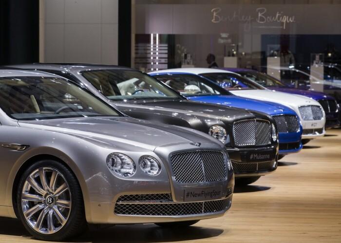 Rolls-Royce tremura! Bentley ataca segmentul de lux cu cel mai puternic sedan al marcii!