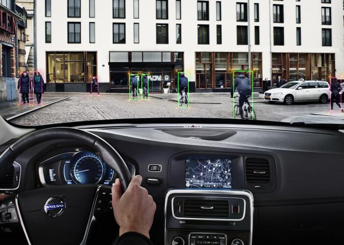 Volvo, mai tare decat Mercedes, Audi si BMW! Inventia anului pentru masini! VIDEO