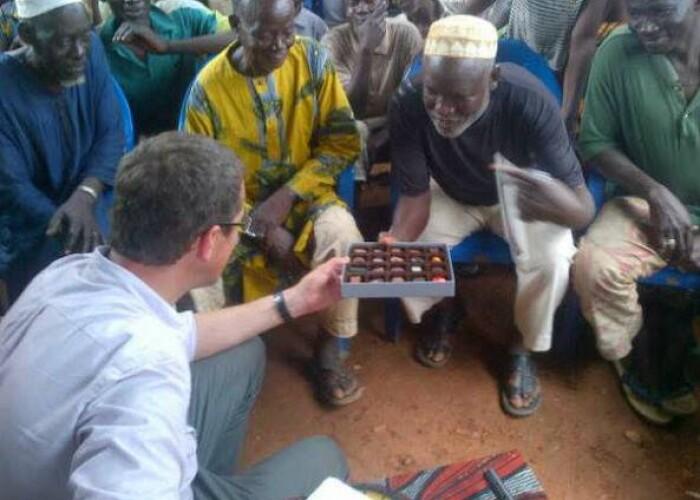 GENIAL: Cum reactioneaza fermierii unei plantatii de cacao cand gusta ciocolata pentru prima oara! VIDEO