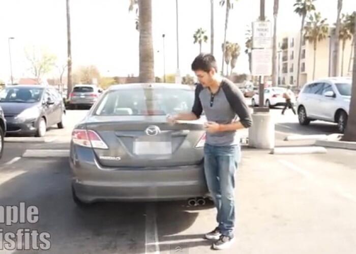 Cea mai buna metoda de a te razbuna pe cei care parcheaza pe doua locuri: VIDEO