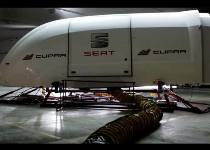 S-au urcat in simulator sa testeze cel mai rapid Seat Cupra din istorie: Cand au iesit au crezut ca nu vad bine: Ce s-a intamplat VIDEO
