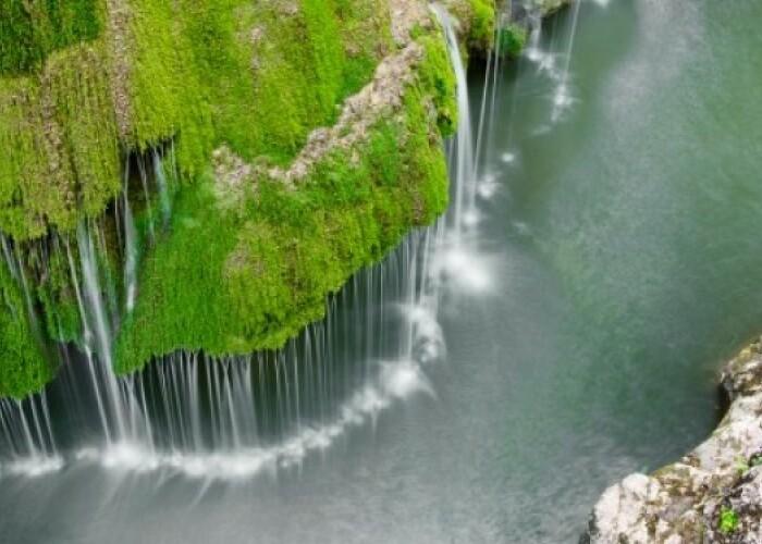 O cascada din Romania, printre cele mai spectaculoase caderi de apa din lume! VIDEO