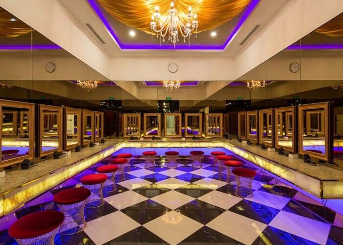 Sala de fitness si sau palat? Cum arata cel mai luxos complex de fitness si spa din lume: abonamentul costa 24.000 pe an