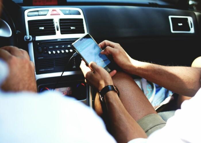 Care sunt cele mai folositoare gadget-uri și accesorii auto cu care să-ți echipezi mașina