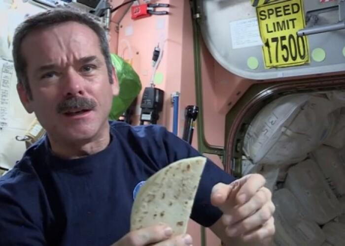 Cum arata de fapt mancarea astronautilor: Ce mananca oamenii care se afla pe orbita Pamantului