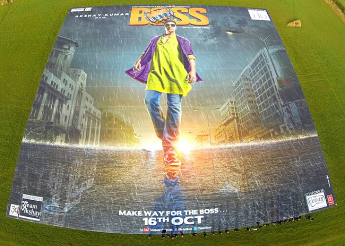 A fost nevoie de o echipa de peste 10 oameni pentru a-l rula: Asa arata cel mai mare poster din lume! VIDEO