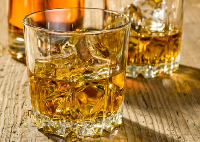 Cel mai bun mod de a degusta un pahar de whisky