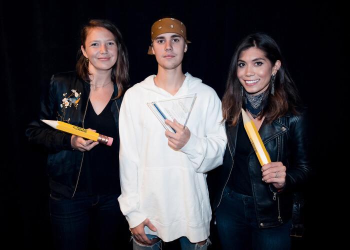 Justin Bieber si-a socat fanii: OMG, te-ai tatuat pe fata! Ce si-a desenat sub ochi