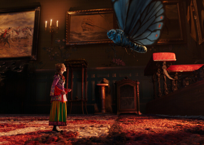 """Alice in Tara Oglinzilor"", reintoarcerea in Underland - O spectaculoasa productie Disney plina de neprevazut si excentricitati"