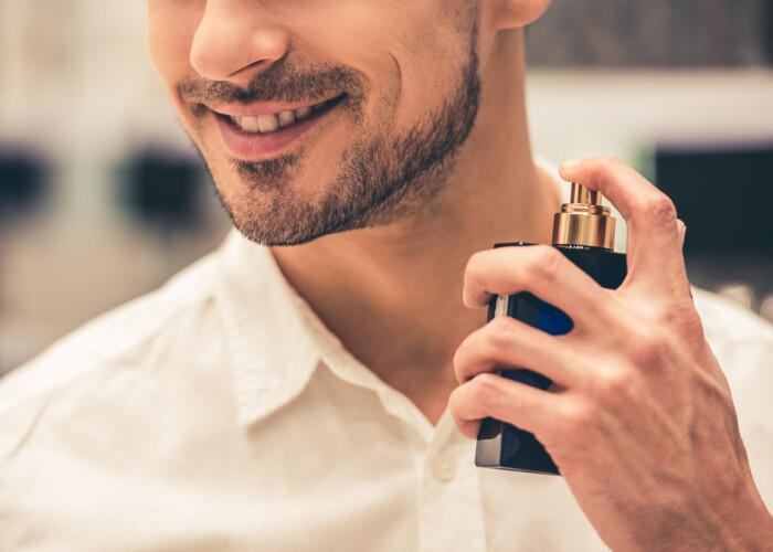5 greșeli pe care bărbații le fac când își aleg parfumul