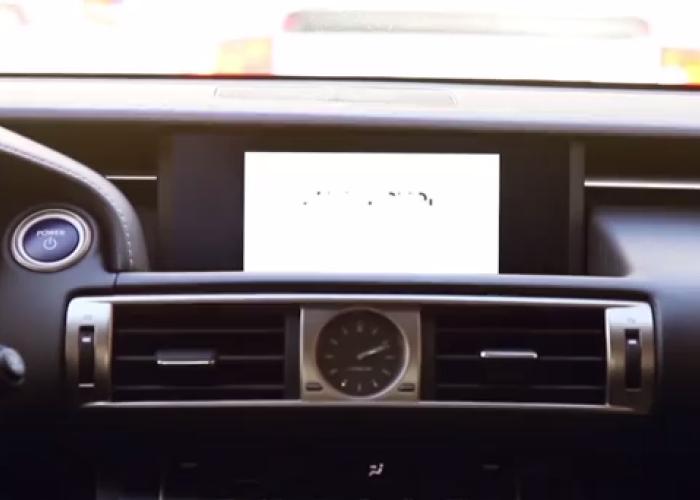 Genial! Aplicatia care iti deseneaza portretul in timpul mersului in functie de cum conduci: VIDEO