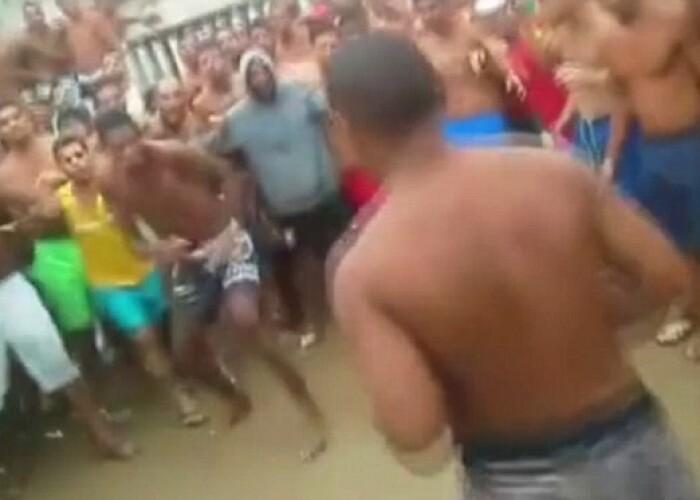Imagini incredibile dintr-o inchisoare din Brazilia! Batai organizate intre detinuti: Se termina lupta doar cand unul dintre cei doi e inconstient!