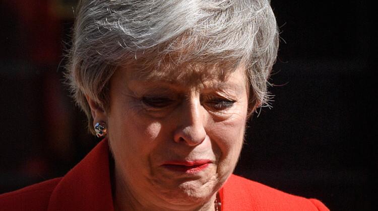 Theresa May, în pragul lacrimilor după ce și-a anunțat demisia