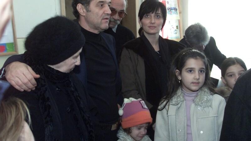 Gigi Becali si familia