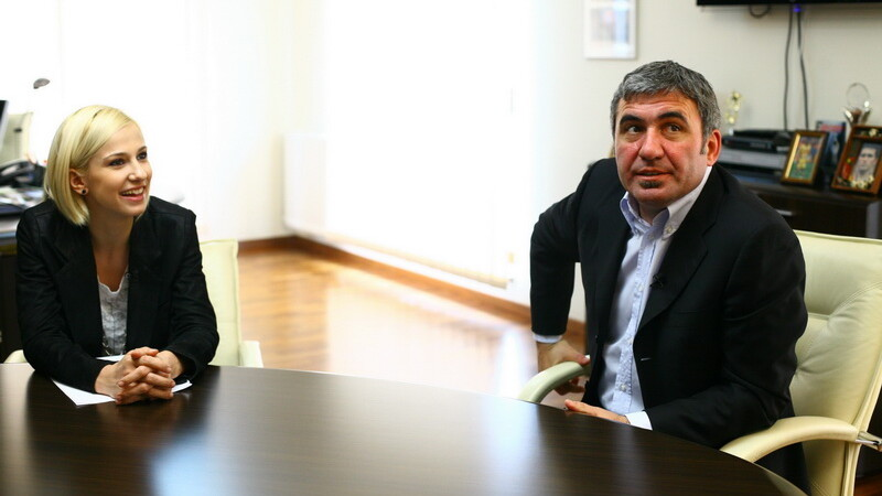 Gheorghe Hagi, Dana Rogoz